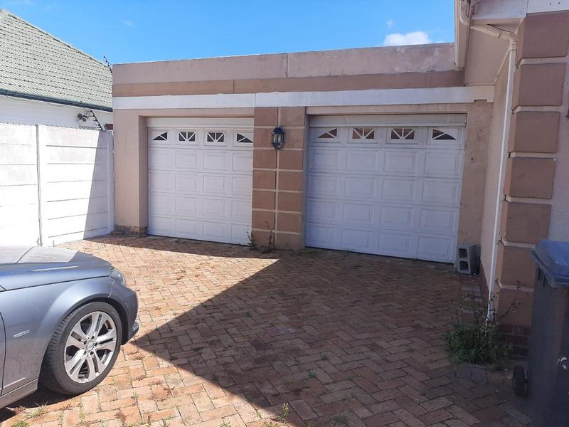 Property For Sale in Rondebosch Silver Mile, Cape Town 3